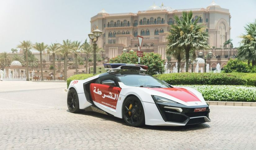 W Motors Lykan Hypersport Polizei