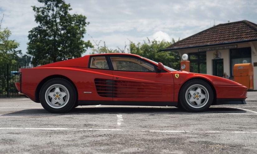 Ferrari Testarossa Side View
