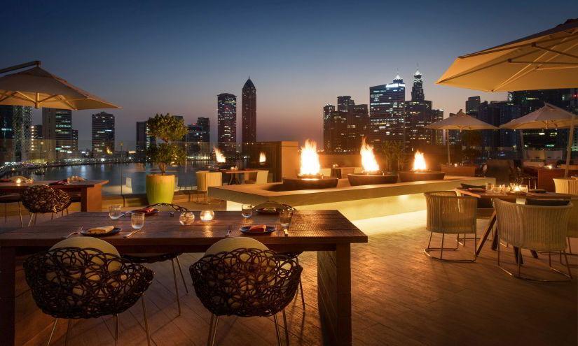 Rennaissance Hotel Restaurant Outdoors