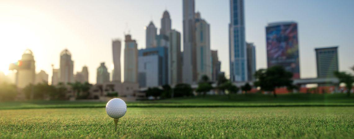 Golf in front of Dubai Skyline