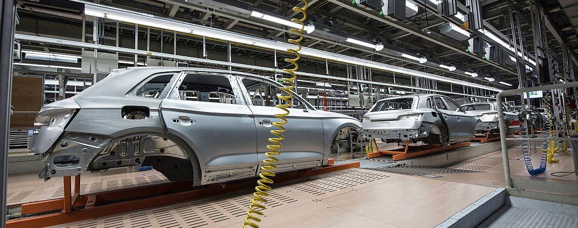 car production line banner