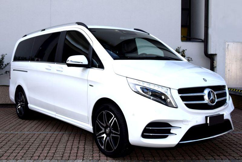 Luxury car rental in Abu Dhabi Airport with ES Luxury Car Rental