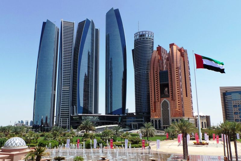Luxury Car Rental in Abu Dhabi with E&S | Sports Cars, SUVs & more